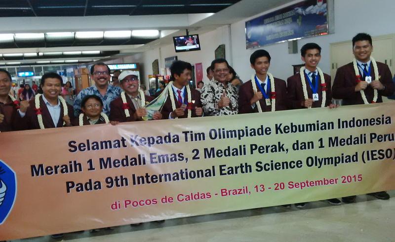https: img.okeinfo.net content 2015 09 22 65 1219162 indonesia-juara-umum-olimpiade-kebumian-di-brasil-qHcynqU0gQ.jpg