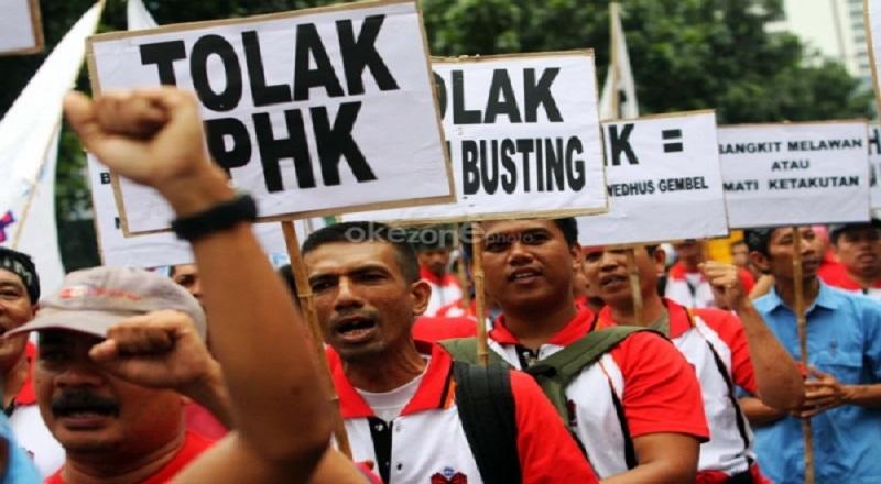 https: img.okeinfo.net content 2015 09 28 320 1221927 marak-phk-mendag-sebut-kondisi-indonesia-genting-Nes55Aimi7.jpg