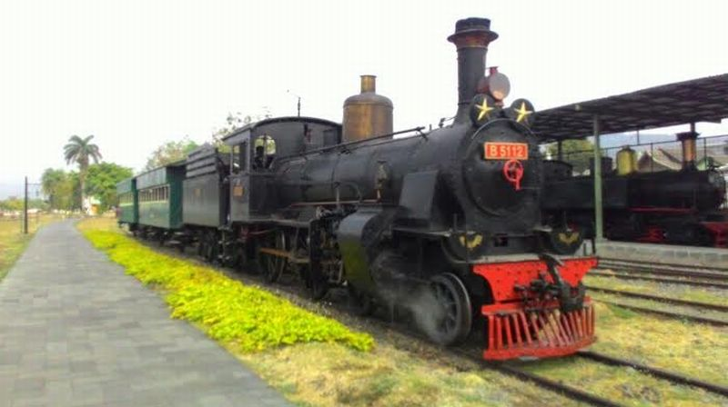 Gambar Kereta Api Zaman Dahulu - Zafrina