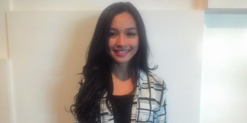 https: img.okeinfo.net content 2015 10 21 33 1235720 dinikahi-anak-siti-nurhaliza-tya-arifin-pindah-ke-malaysia-eSPFWldvqj.jpg
