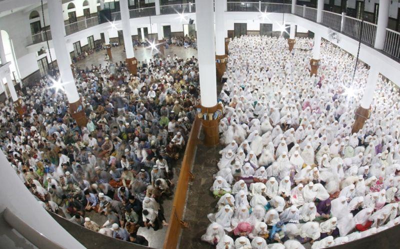 https: img.okeinfo.net content 2015 11 04 65 1243340 tujuan-pendidikan-agama-islam-di-indonesia-uzgt0RoiRl.jpg