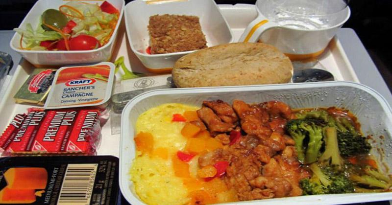 https: img.okeinfo.net content 2015 12 02 298 1259573 terungkap-kapan-makanan-dimasak-sebelum-pesawat-tinggal-landas-C0f8YHtvbk.jpg