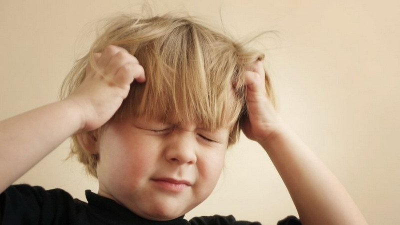 https: img.okeinfo.net content 2016 01 22 481 1294386 bahaya-migrain-mengintai-anak-anak-i92pFNPQci.jpg