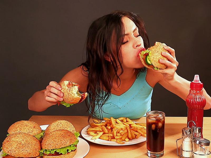Image result for makan makanan cepat saji
