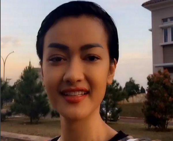 Julia Perez Bondol Demi Dukung Pejuang Kanker Okezone Celebrity - Gaya rambut pendek jupe