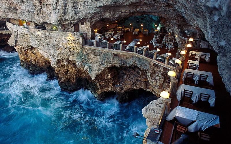 https: img.okeinfo.net content 2016 02 26 406 1322247 grotta-palazzese-restoran-ekstrem-paling-romantis-di-dunia-bsTE4iXxjf.jpg