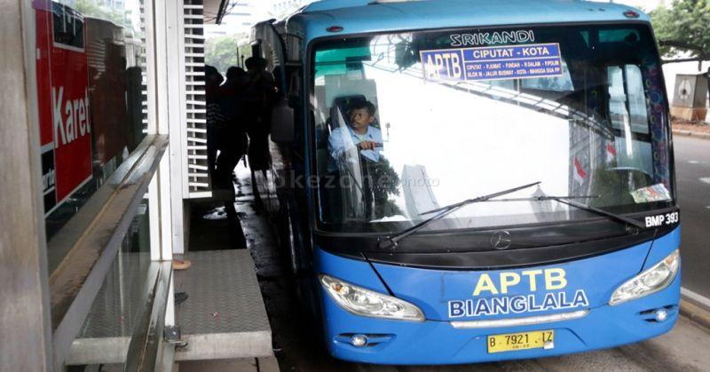 Bat Bus 12 >> Pemkot Bekasi Minta Dki Batalkan Pengurangan Operasional