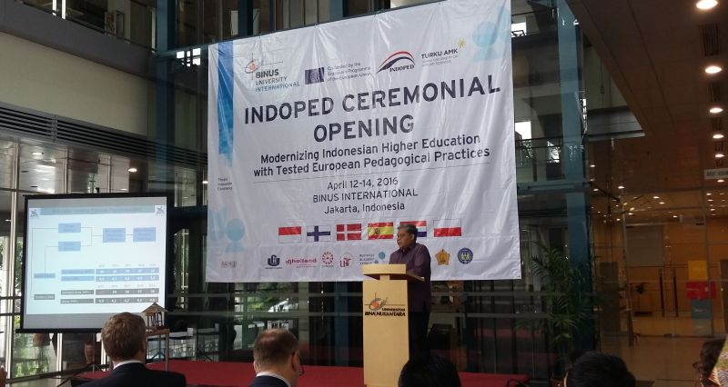 https: img.okeinfo.net content 2016 04 12 65 1360463 kolaborasi-kampus-indonesia-eropa-untuk-modernisasi-perguruan-tinggi-0ESZKX84sN.jpg