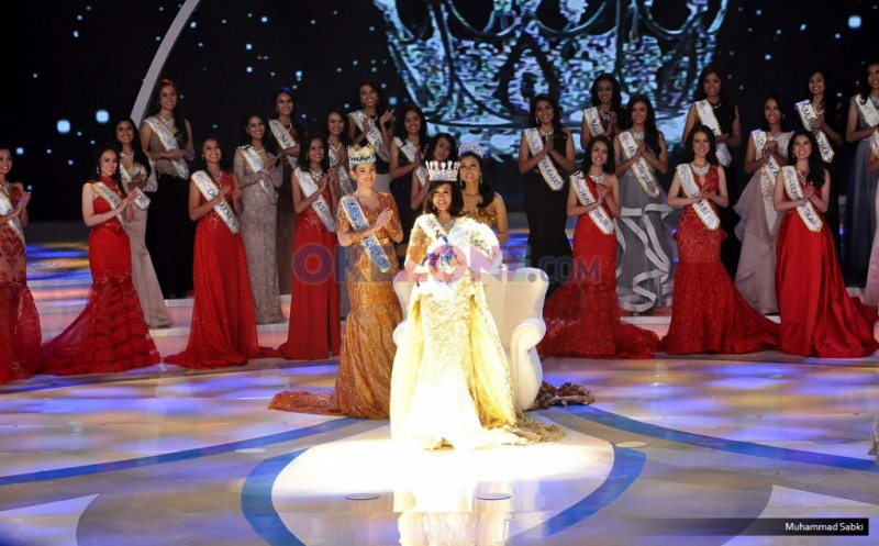 https: img.okeinfo.net content 2016 04 22 194 1370328 top-fashion-4-natasha-mannuela-raih-penghargaan-kartini-masa-kini-R1FWVUwcIn.jpg