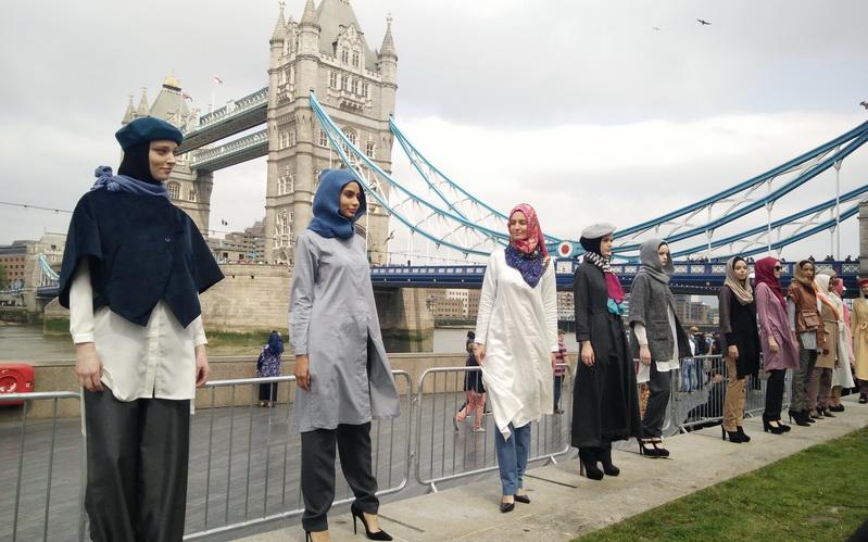 https: img.okeinfo.net content 2016 06 13 194 1414090 rencana-buka-toko-di-london-elhijab-siap-go-international-Ht3kEO5P6i.jpg