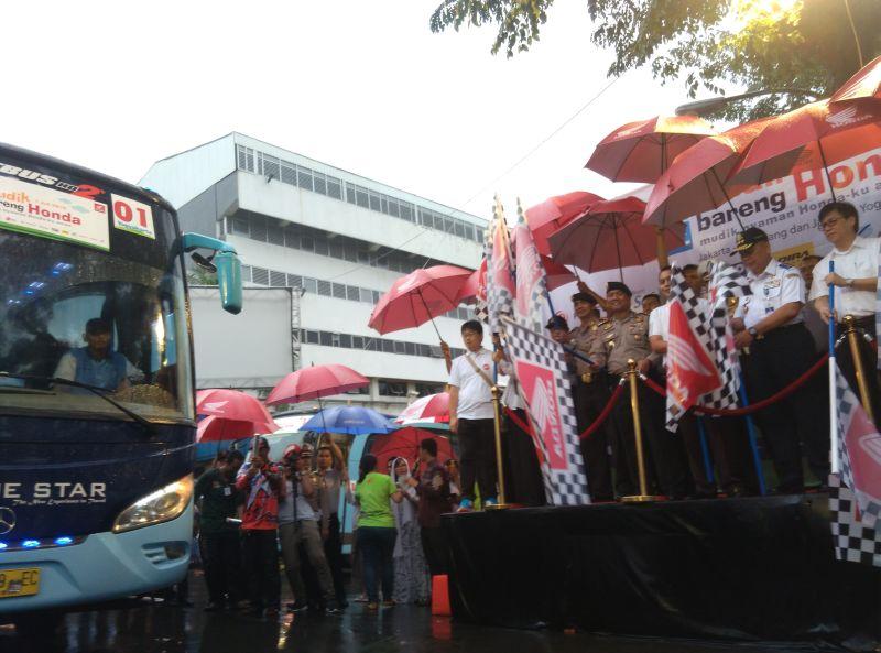 Astra Honda Berangkatkan Ribuan Pemudik Ke Yogya Amp Semarang Okezone News