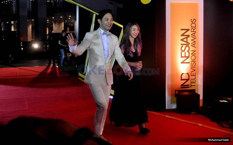 https: img.okeinfo.net content 2016 09 16 597 1490789 jin-goo-hingga-isyana-ramaikan-ajang-indonesian-television-awards-2016-F0nC1J4tqc.jpg