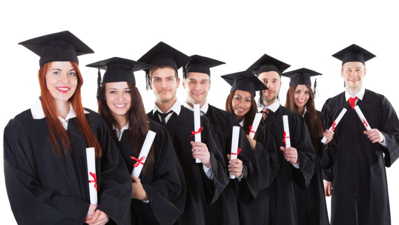 Hasil gambar untuk gambar lulus kuliah