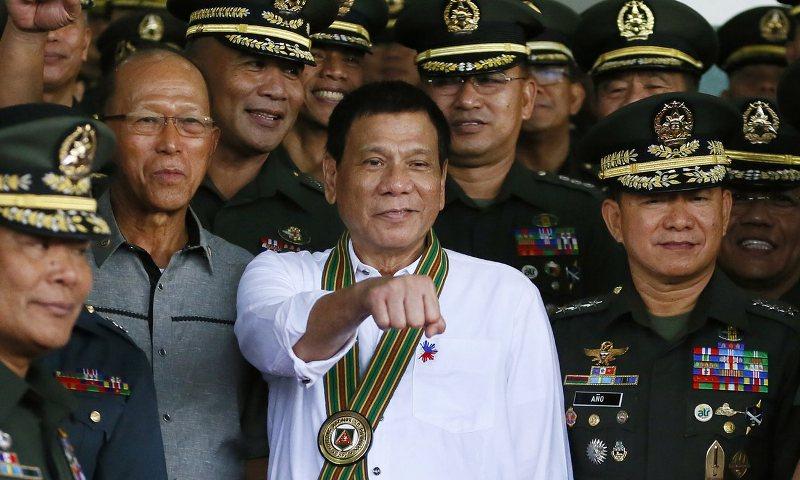 https: img.okeinfo.net content 2016 10 08 18 1509810 suara-rakyat-filipina-presiden-duterte-kasar-tetapi-jujur-9lRbs9UdI9.jpg