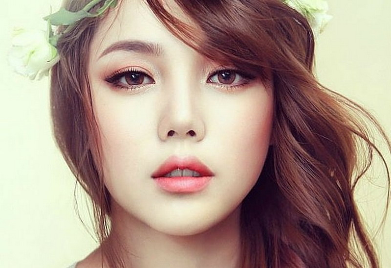 https: img.okeinfo.net content 2016 10 13 194 1514065 ladies-4-produk-kecantikan-ini-jangan-dipakai-setiap-hari-deo8UoMIvH.jpg