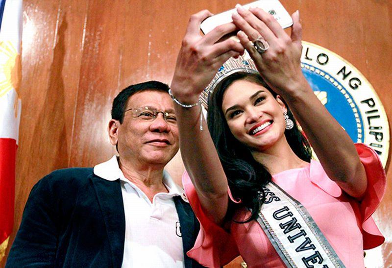 https: img.okeinfo.net content 2016 10 15 18 1515411 presiden-duterte-disebut-mendukung-miss-universe-diadakan-di-filipina-qwCdWjyCZr.jpg
