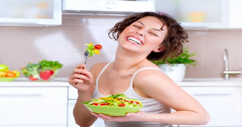 https: img.okeinfo.net content 2016 10 19 298 1518991 diet-mayo-day-4-sebelum-kerja-sarapan-caesar-salad-yuk-biar-semangat-rUj5FD18qc.jpg