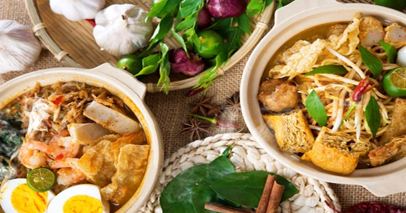 https img.okeinfo.net content 2016 10 19 298 1519182 2 tahun jokowi jk orang bule bangga mempromosikan kelezatan kuliner indonesia 7FoOPRUVhi.jpg