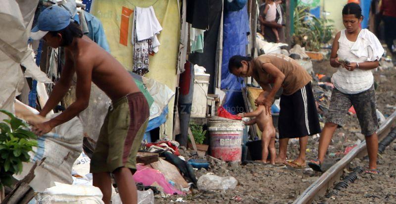 https img okeinfo net content 2016 10 19 320 1519154 2 tahun jokowi jk angka kemiskinan turun 0 36 nwxOK72ZcZ jpg
