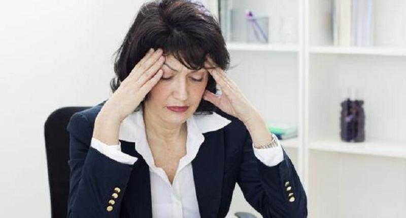https: img.okeinfo.net content 2016 11 07 481 1535099 mengalami-menopuse-dini-2-kali-lipat-berisiko-osteoporosis-vDObyvVIoT.jpg
