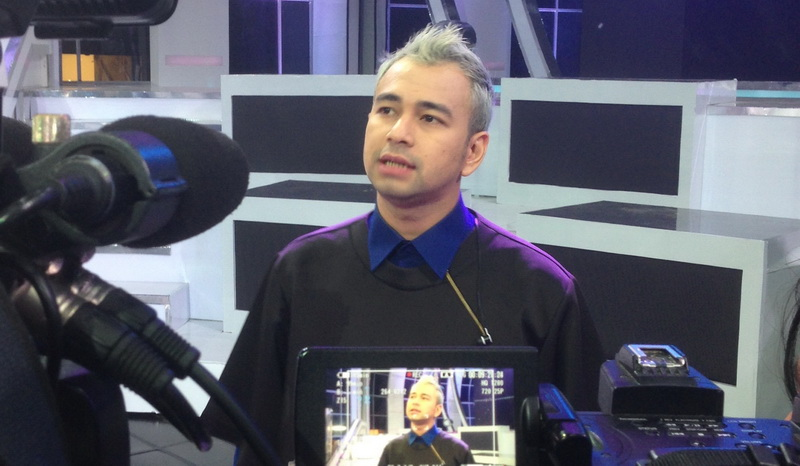 https: img.okeinfo.net content 2017 01 12 33 1589827 sempat-rontok-raffi-ahmad-tak-kapok-gonta-ganti-warna-rambut-ELgu7T2x9B.jpg