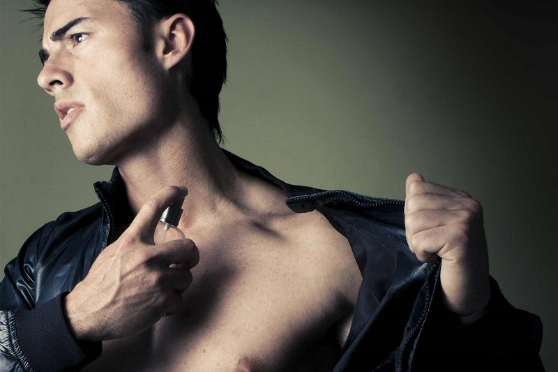 https img.okeinfo.net content 2017 01 13 194 1590925 pria masih gemar menyesuaikan parfum dengan karakternya Z71hKY04NY.jpg