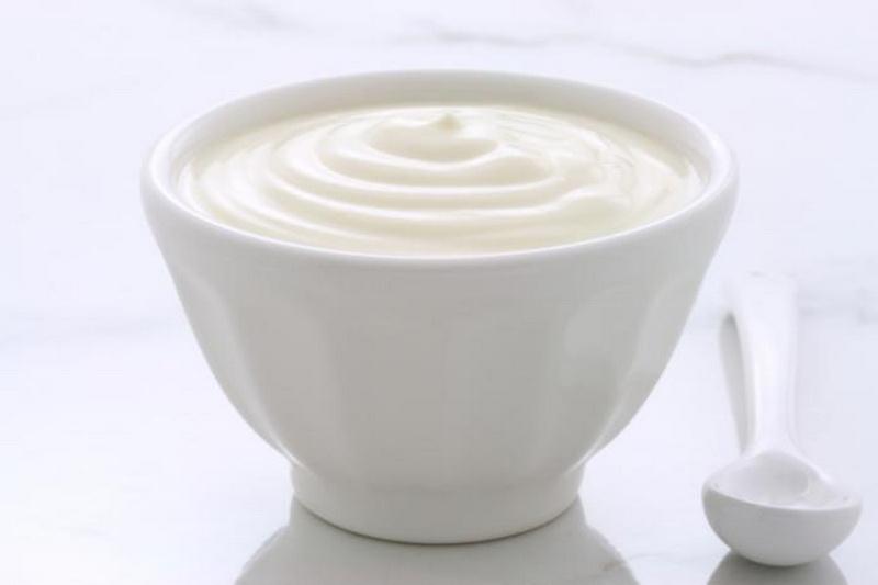 https: img.okeinfo.net content 2017 02 13 481 1616848 cara-mudah-mengobati-infeksi-pada-organ-kewanitaan-makan-yoghurt-aja-oRKkllTAXh.jpg