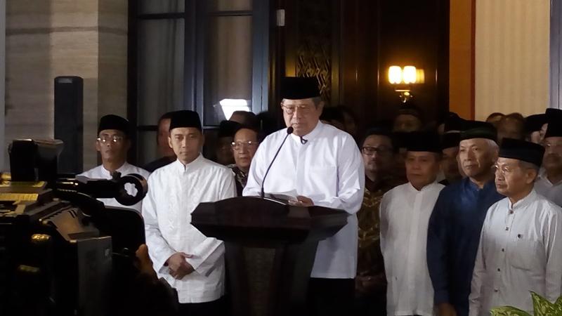 https: img.okeinfo.net content 2017 02 14 337 1618429 sby-agus-yudhoyono-senasib-dengan-saya-pada-pilpres-2004-qQ2114lbIJ.jpg