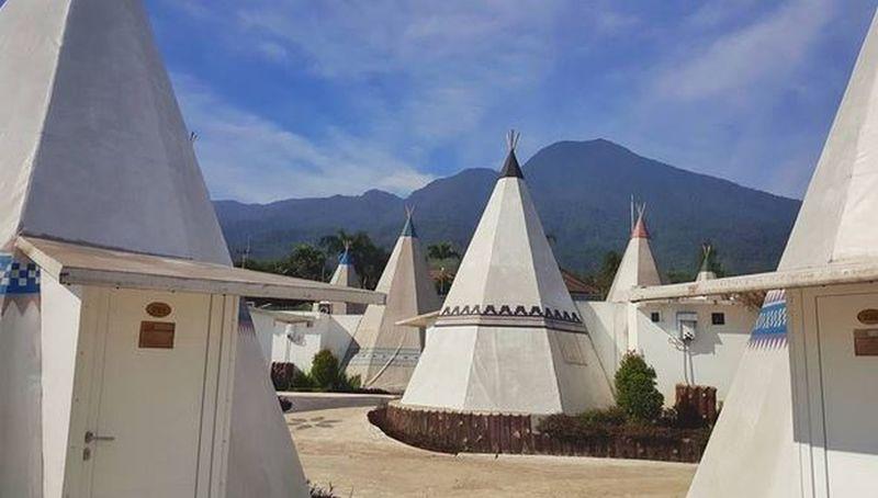 https: img.okeinfo.net content 2017 02 15 406 1618971 liburan-pilkada-camping-ala-indian-aja-di-bogor-SQbe38BhGP.JPG