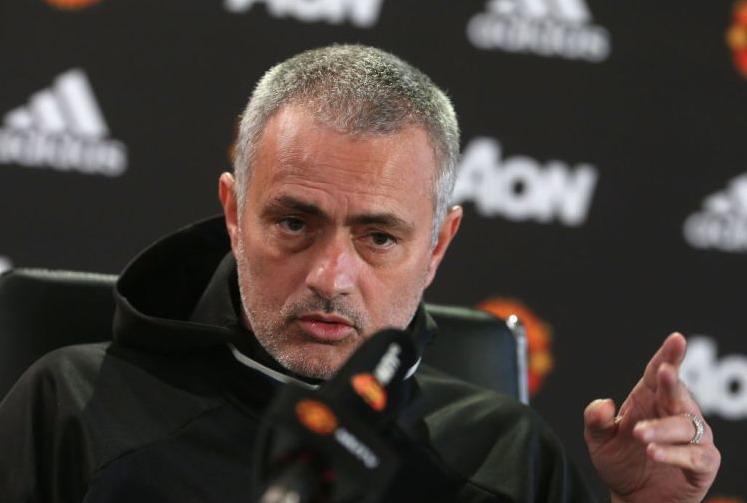 https: img.okeinfo.net content 2017 02 17 45 1620689 scholes-berharap-mourinho-yang-jadi-manajer-man-united-tiga-tahun-lalu-bukan-moyes-mwvjnVVWwH.jpg