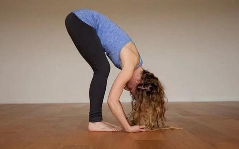https: img.okeinfo.net content 2017 02 23 481 1626599 lagi-lagi-insomnia-di-malam-hari-atasi-dengan-pose-yoga-ini-aja-TPiQRiL8aa.jpg