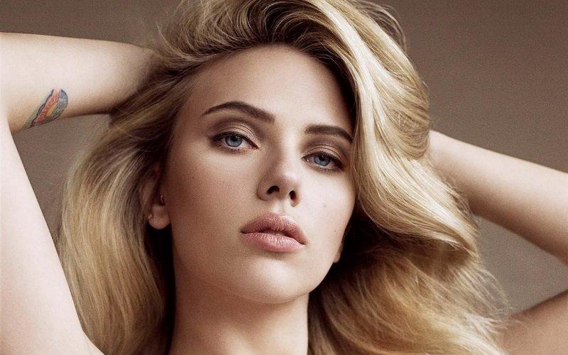 Tak hanya cantik, paras menawan Scarlett juga bisa dibilang sangat berkarakter.