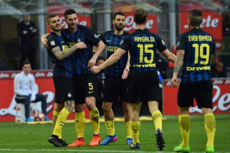 https: img.okeinfo.net content 2017 03 13 47 1641062 hasil-pertandingan-liga-italia-semalam-inter-pesta-gol-roma-dan-napoli-menang-yGFtTrKuyi.jpg