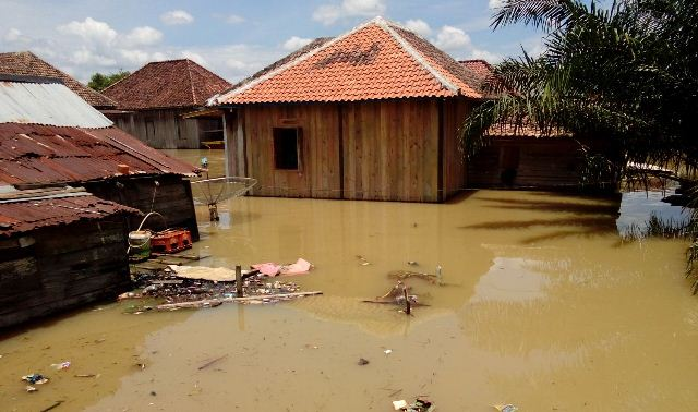 https: img.okeinfo.net content 2017 03 14 340 1642598 alamak-banjir-di-muba-meluas-dan-ketinggian-air-terus-meningkat-dUPpYdJoM9.jpg