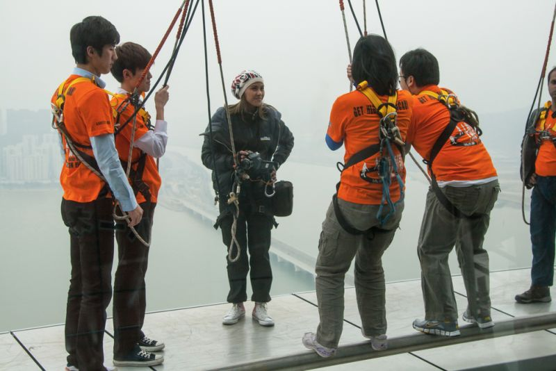 https: img.okeinfo.net content 2017 03 16 406 1644710 suka-wisata-ekstrem-yuk-cobain-bungee-jumping-di-tower-macau-aoy2U0jaM4.jpg