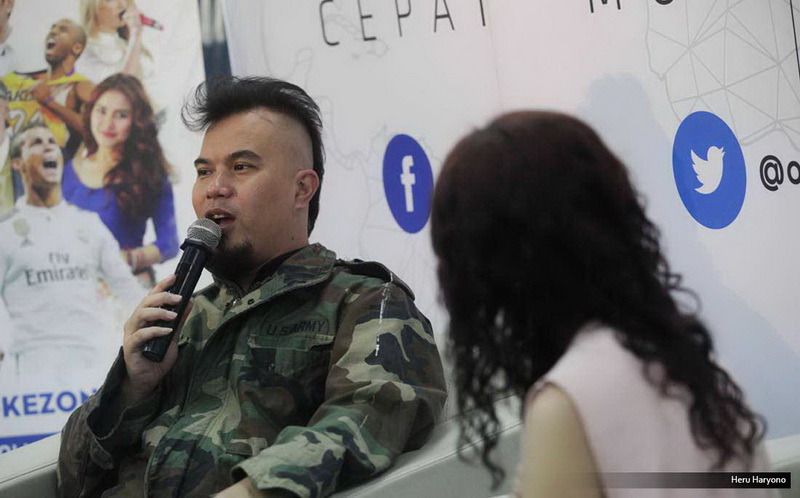 https: img.okeinfo.net content 2017 03 20 33 1646844 nih-video-pedagang-tagih-utang-ahmad-dhani-yang-bikin-heboh-yckXfztOme.jpg