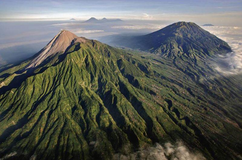 https: img.okeinfo.net content 2017 03 29 406 1653894 misteri-kerajaan-kerajaan-gaib-di-indonesia-ayo-berani-datang-enggak-fLewtkEyg9.jpg