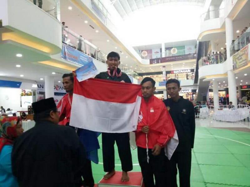 https: img.okeinfo.net content 2017 04 11 43 1664821 mantap-pesilat-himssi-sumsel-raih-emas-untuk-indonesia-di-turnamen-internasional-BoE8xKabeZ.jpg