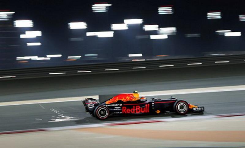 https: img.okeinfo.net content 2017 04 17 37 1669465 sport-tweets-gagal-finis-di-gp-bahrain-max-verstappen-legawa-GGzf1V8bQA.jpg