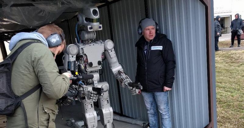 https: img.okeinfo.net content 2017 04 17 56 1669614 tak-hanya-dalam-film-rusia-ciptakan-robot-untuk-perang-QAtg7llFdQ.jpg