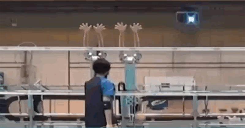 https: img.okeinfo.net content 2017 04 18 207 1670766 unik-robot-bantu-tim-voli-jepang-saat-berlatih-v9lVb20Lv4.jpg