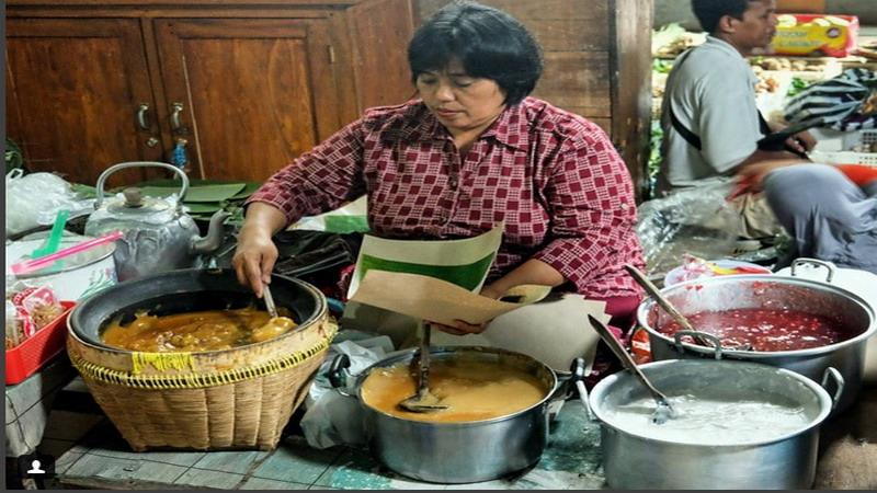 https: img.okeinfo.net content 2017 04 20 298 1672723 di-dunia-kuliner-ini-4-sosok-kartini-bagi-masyarakat-yogyakarta-1cl7SjIpGp.jpg