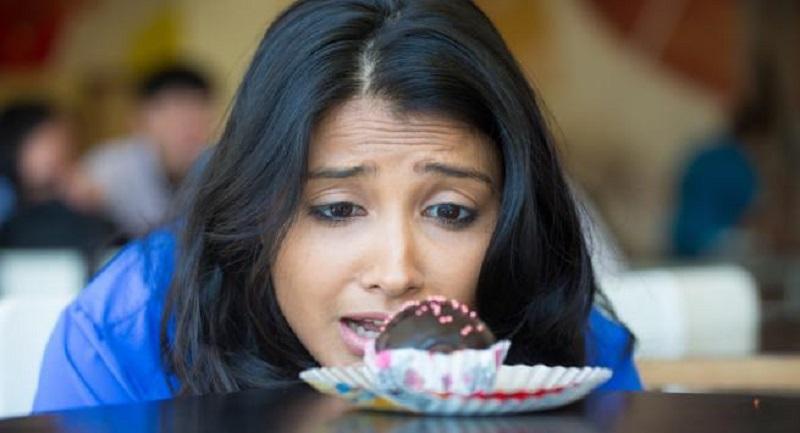 https: img.okeinfo.net content 2017 04 21 481 1673545 ketika-gula-darah-turun-drastis-penderita-diabetes-butuh-konsumsi-5-makanan-ini-MNvivQYdqW.jpg