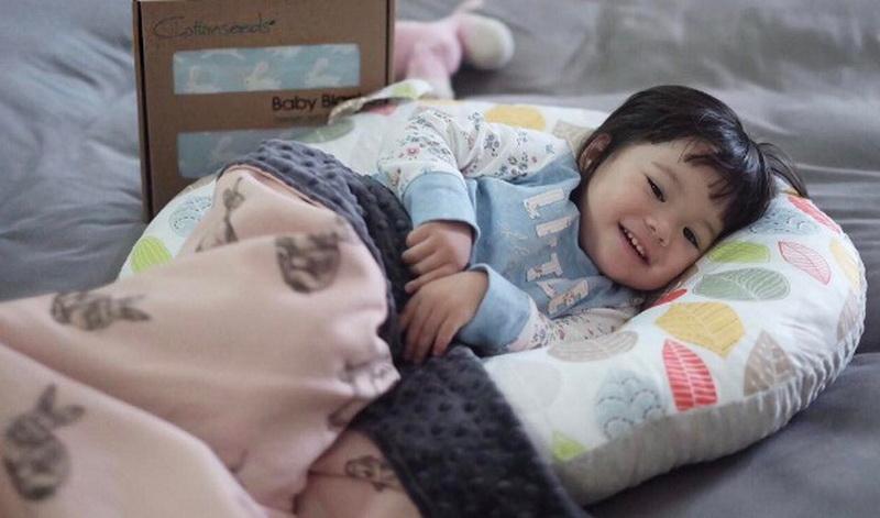 https img.okeinfo.net content 2017 04 22 33 1673951 video lucunya gempi tertidur saat sedang makan 2ysjQPIqP2.jpg