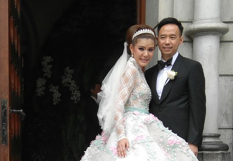 https img.okeinfo.net content 2017 04 22 33 1673972 sosok suami di mata olga lydia qLvjtDzWI1.jpg