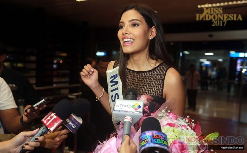 https: img.okeinfo.net content 2017 04 26 194 1676717 miss-indonesia-2017-cerita-menyenangkan-miss-world-2016-saat-berkunjung-ke-indonesia-PxoRCfWGxw.jpg