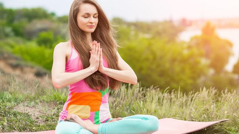 https: img.okeinfo.net content 2017 05 03 481 1682330 meditasi-10-menit-saja-bantu-anda-fokus-dalam-melakukan-pekerjaan-w344N2Nxfi.jpg
