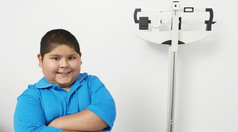 https: img.okeinfo.net content 2017 05 07 481 1685216 benarkah-obesitas-diwariskan-dari-orangtua-kepada-anak-ChoV3lvhjt.jpg