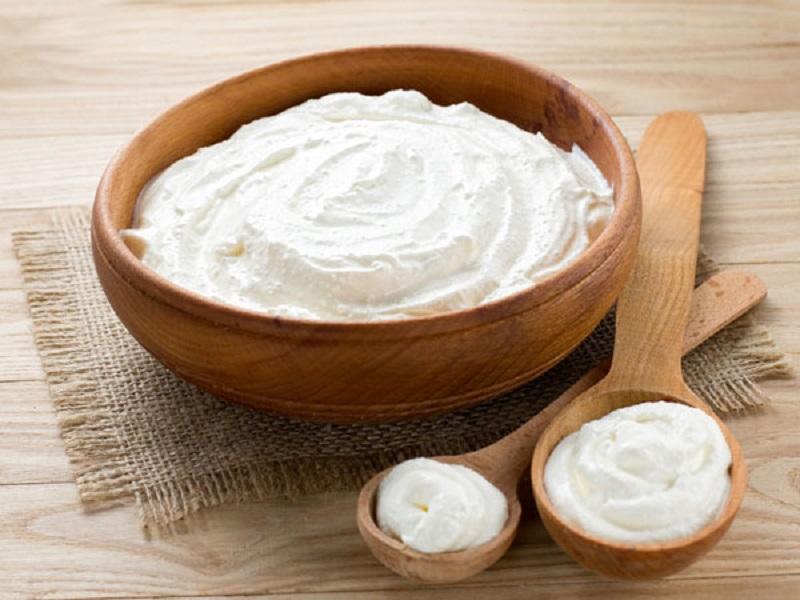 https: img.okeinfo.net content 2017 05 12 481 1689249 rutin-konsumsi-yoghurt-cegah-osteoporosis-pada-lansia-SR6STgMaFw.jpg