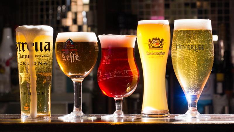 https img.okeinfo.net content 2017 05 18 298 1694386 mencampur minum minuman beralkohol dengan minuman energi membuat anda berpikir mabuk berat 6KFfkaoD8d.jpg